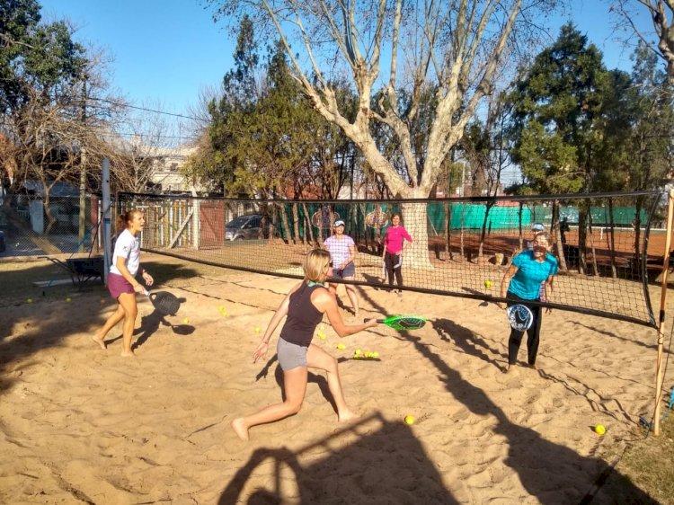 Entrenamientos de Beach Tennis en la Sede