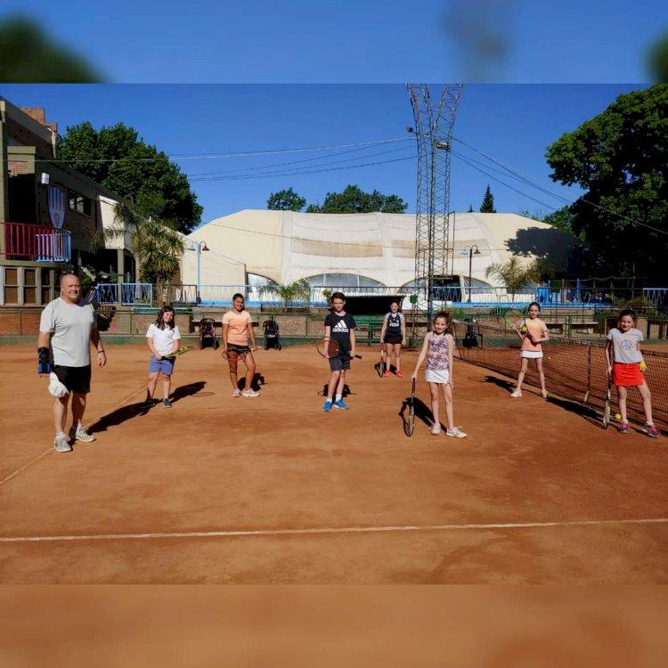 Sumate a la Escuela de Tenis Infantil