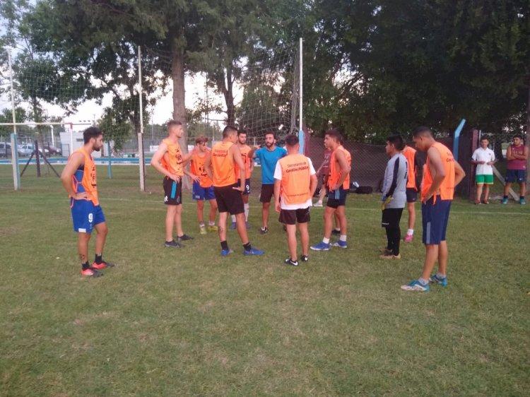 Fútbol: la Primera División continúa con la pretemporada